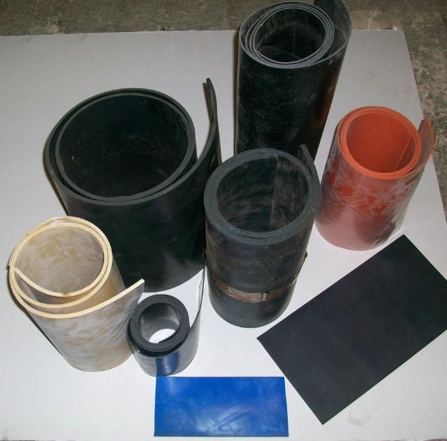 2mm thick Solid ply reinfrorced insertion neoprene rubber strip 5m /& 10m lengths 5m x 30mm wide various widths available water//oil//weather seal