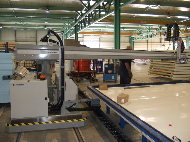 Adhesive Machine for Large Sandwich Panels